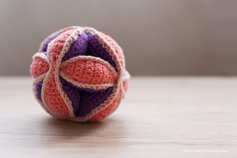 Мячик-паззл, вязанная игрушка для малыша.