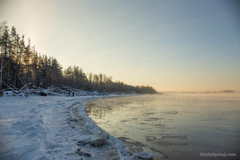 Vakarbuļļu plūdmale ziemā